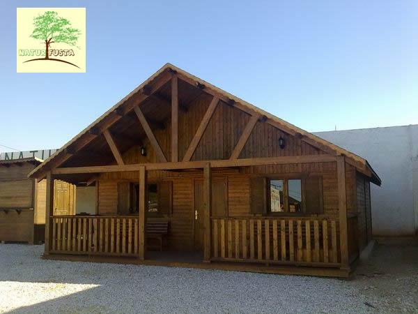 Naturfusta fabricaci n de casas y pergolas de madera en for Casas de madera ofertas liquidacion